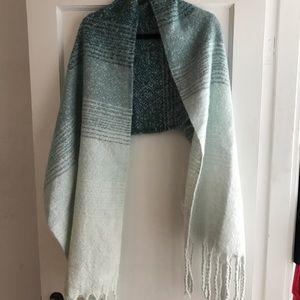 Accessories - Soft wrap/scarf